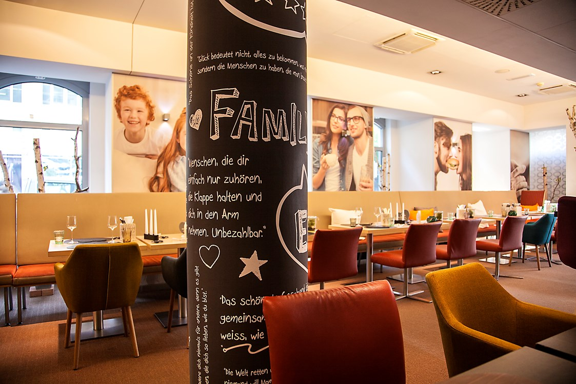 Restaurant: Family and Friends - Family and Friends